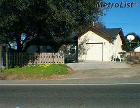 Single-Family Home for Sale in Carmichael, CA